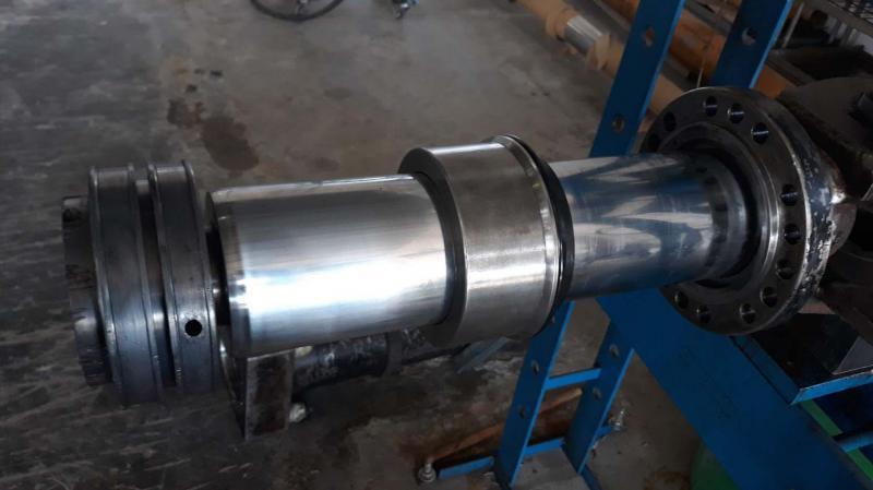 Conserto de pistão hidráulico